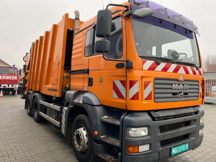 Autoutilitară gunoieră MAN TGA 28.320