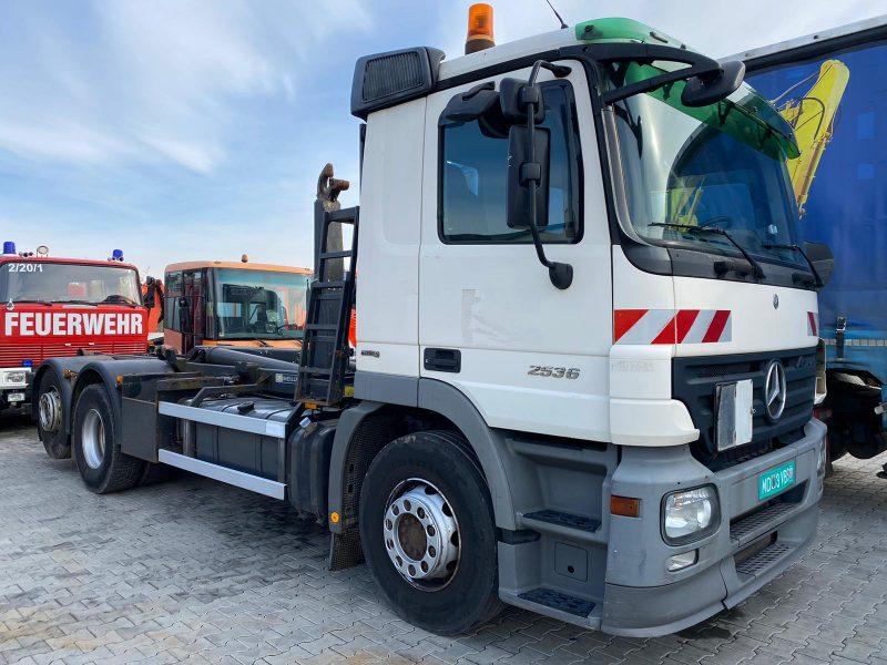 Autoutilitară transcontainer Mercedes Actros 2536